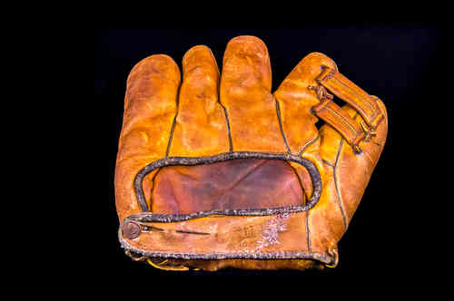 1940's Dubow Sporting Goods Baseball Glove