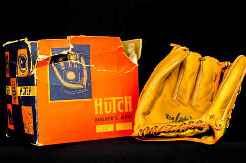 "Hutch ""Jim Nieman"" Baseball Fielder's Glove No. 710/975 in box"