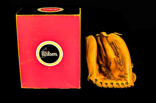 "Wilson ""Ron Perranoski"" Ball Hawk Fielder's Glove in Box"