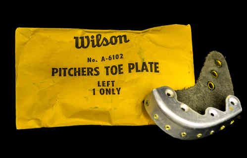Wilson Pitchers Toe Plate, Left, in Package