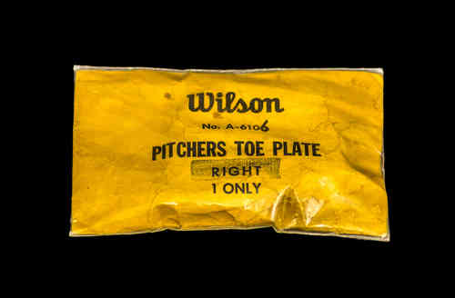 Wilson Pitchers Toe Plate, Right, in Package