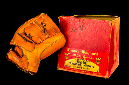 "Draper-Maynard D&M ""Frank Baumholtz"" Fielder's Glove in Box"