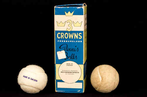 Three Crowns Tennis Ball Box with Two Balls