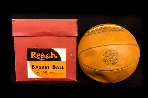 Reach Young Star Lace-Up Basket Ball No 242 in Box