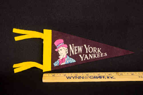 1960's Mini Pennant New York Yankees Maroon 8.5""