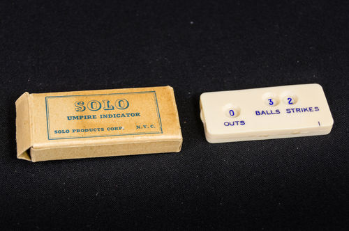 Solo Celluloid Umpire Indicator in Original Box