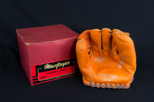 "NEW-IN-BOX MacGregor ""Gil McDougald"" Fielder's Glove No. GRW"