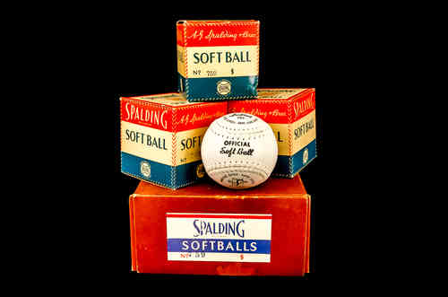 Spalding Pacesetter Softballs Master Box No 759 with Three Softballs