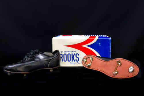 New-In-Box Brooks Leather Baseball Cleats