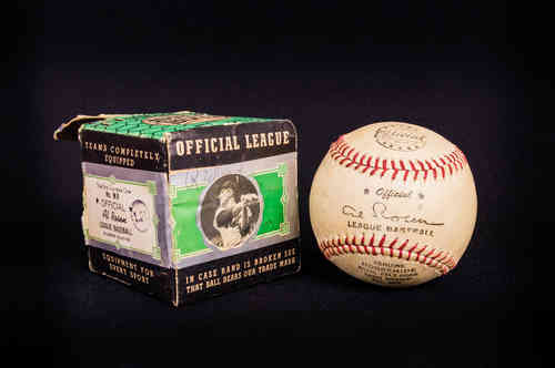 Al Rosen No MR Baseball in Picture Box