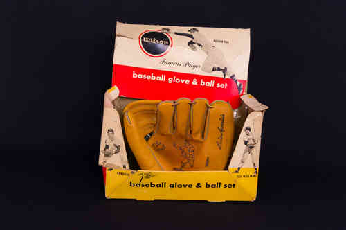 "Wilson ""Luis Aparicio"" Baseball Glove in Picture Box"