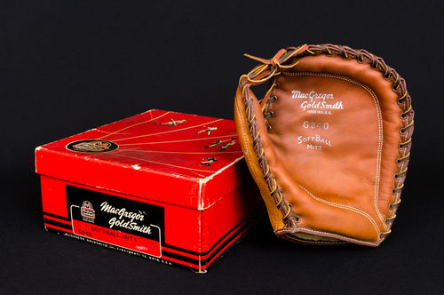 New-In-Box MacGregor GoldSmith G340 SoftBall 1st Baseman's Mitt