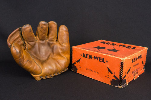 1950's Ken-Wel Fielder's Glove in Box