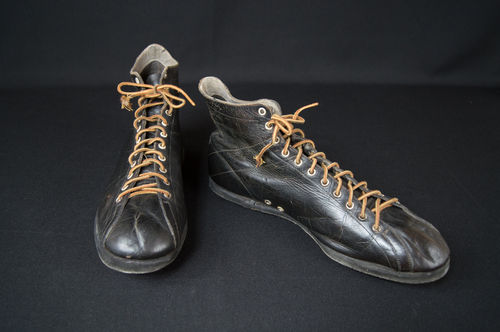 Early Black Leather High Top Basketball Shoes